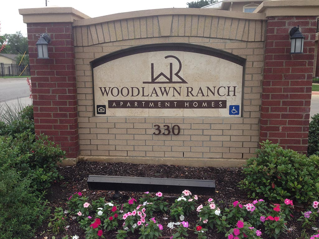 Woodlawn Ranch front sign